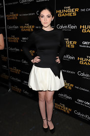 Isabelle Fuhrman looked adorable in this drop-waist two-tone number at the NY screening of 'The Hunger Games.'