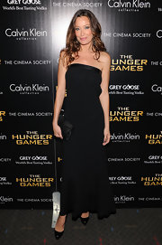 Sky Nellor channeled the '90s in this minimalist gown at the NY screening of 'The Hunger Games.'