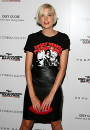 Agyness Deyn paired her leather skirt with a t-shirt.
