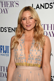 Kate Hudson styled her hair with boho waves for the screening of 'Mother's Day.'
