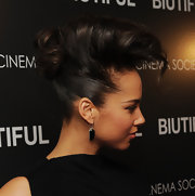 The R&B songstress added some serious volume to her long locks with a twisted pompadour pinned into place.