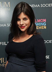 Julia Restoin-Roitfeld attended a screening of 'Salmon Fishing in the Yemen' wearing brilliant red lipstick.