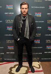 Ewan McGregor wore this silver silk scarf to the 'Salmon Fishing in the Yemen' premiere.