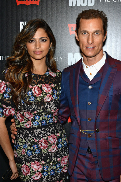 More Pics of Camila Alves Long Wavy Cut (3 of 14) - Long Wavy Cut Lookbook - StyleBistro