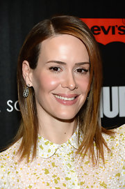 Sarah Paulson's red carpet tresses looked chic and sharp when styled into a classic straight 'do.