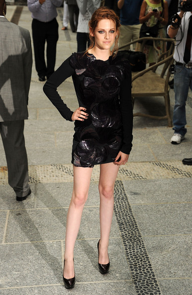 Kristen Stewart wore a stunning garnet polish with her shimmering LBD at a screening of 'The Twilight Saga: Eclipse.'