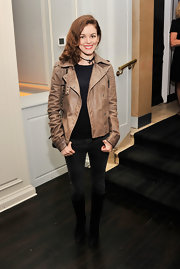 Nora Zehetner looked cool and classic in a distressed leather jacket.