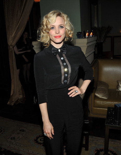 More Pics of Rachel McAdams Bright Lipstick (1 of 9) - Rachel McAdams Lookbook - StyleBistro