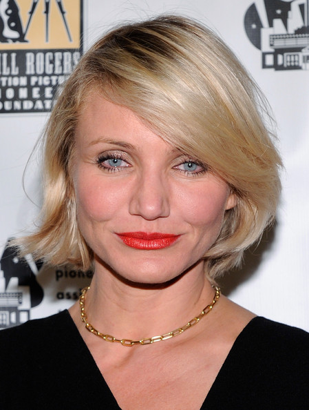 Cameron Diaz attended CinemaCon 2012 wearing her pale blond bob with side-swept bangs.