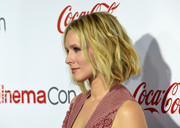 Kristen Bell attended the CinemaCon Big Screen Achievement Awards rocking short, messy-chic waves.