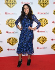 Rosario Dawson attended the CinemaCon 2017 Warner Bros. Pictures presentation wearing a classic electric-blue lace dress by Shoshanna.