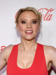 Kate McKinnon opted for a casual, messy updo when she attended the 2018 CinemaCon Big Screen Achievement Awards.