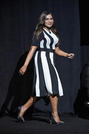 Mindy Kaling chose a black-and-white paneled cocktail dress by Stella McCartney for CinemaCon 2018.