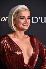 Bebe Rexha looked trendy with her graduated bob at the City of Hope Gala.