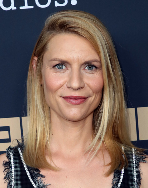 Claire Danes Medium Straight Cut [homeland,hair,face,blond,hairstyle,eyebrow,chin,layered hair,head,forehead,long hair,claire danes,arrivals,beverly hills,california,writers guild theater,fyc,showtime,event,event]