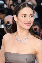 Olga Kurylenko kept it simple with this slicked-down, center-parted 'do at the 2018 Cannes Film Festival closing ceremony.