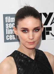 Rooney Mara made a dramatic beauty statement with her burgundy shadow and muted lips.