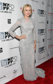 Naomi Watts looked stunning at the 52nd New York Film Festival in a pale gray lace gown.