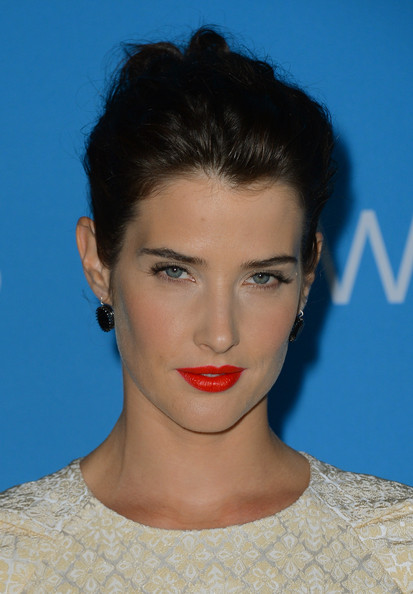 Cobie Smulders Bright Lipstick [hair,face,lip,hairstyle,eyebrow,chin,beauty,head,forehead,cheek,cobie smulders,premiere party,greystone manor supperclub,west hollywood,california,cbs,premiere party]