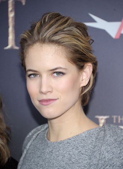 Cody Horn Messy Cut [the hobbit: an unexpected journey,hair,hairstyle,face,eyebrow,blond,chin,lip,beauty,long hair,forehead,inside arrivals,cody horn,new york premiere benefiting,new york premiere benefiting afi,ziegfeld theater,new york city,afi]