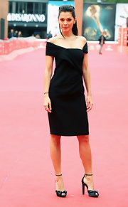 The sleeve detailing on Giorgia Surina's little black dress was a real head-turner.