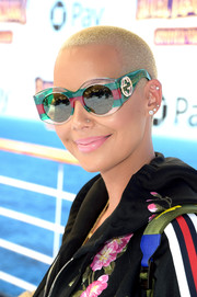 Amber Rose attended the world premiere of 'Hotel Transylvania 3: Summer Vacation' wearing her hair in a buzzcut.
