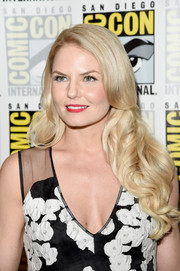 Jennifer Morrison looked like a doll with her flowing blonde curls at the 'Once Upon a Time' panel during Comic-Con.