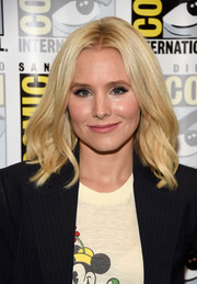 Kristen Bell framed her cute face with soft waves for Comic-Con International 2016.