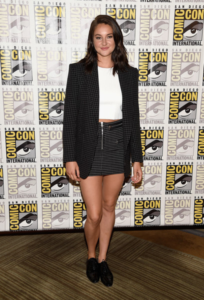 Shailene Woodley completed her look with black patent oxfords.