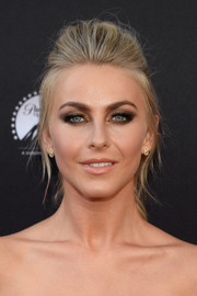 Julianne Hough looked fierce with her heavy eye makeup teamed with a pompadour ponytail at the 'Grease: Live' FYC event.