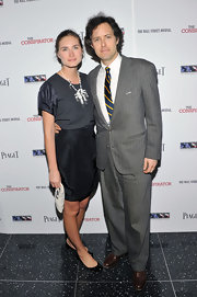 Lauren Bush wore a memorable silver statement necklace to the New York premiere of 'The Conspirator'.