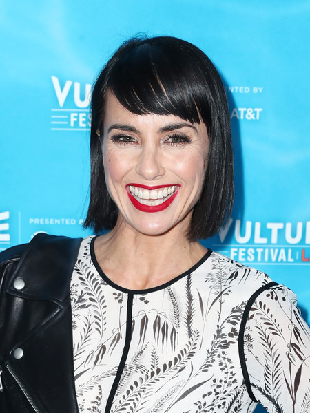 Constance Zimmer Short Cut With Bangs [unreal vs. superstore: pop-culture trivia game show,hair,face,hairstyle,lip,eyebrow,skin,chin,beauty,smile,black hair,constance zimmer,panel,hollywood roosevelt hotel,california,at t,vulture festival la]