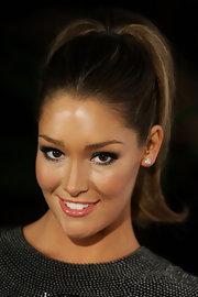 Erin showed off her high ponytail while hitting the Fun Fearless Female Awards.