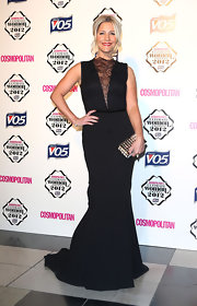 Heidi looked supremely elegant in this black lace-adorned gown at the Cosmo Ultimate Woman of the Year Awards.