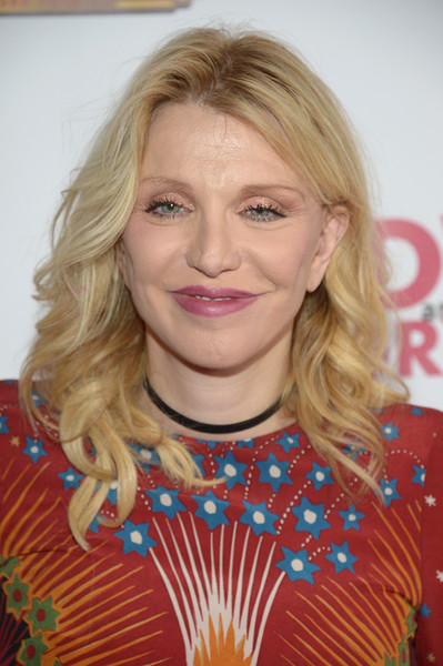 Courtney Love Medium Curls