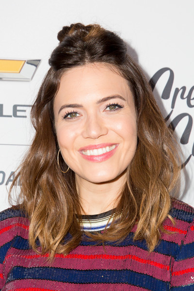 Mandy Moore styled her hair into a casual half-up 'do for the Create & Cultivate 100 event.