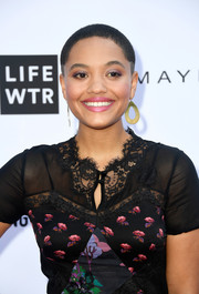 Kiersey Clemons accessorized with a cute pair of gold teardrop hoops at the 2018 Fashion Los Angeles Awards.