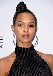 Lais Ribeiro pulled her tresses up into a tight top knot for the Daily Front Row's Fashion Media Awards.