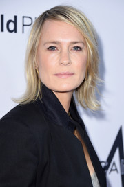 Robin Wright attended the Daily Front Row's Fashion Media Awards wearing her hair in a flip.