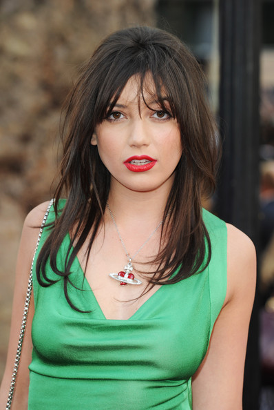Daisy Lowe Red Lipstick [sex and the city 2,hair,face,hairstyle,lip,beauty,layered hair,lady,chin,brown hair,black hair,daisy lowe,uk,england,london,odeon leicester square,red carpet arrivals,sex and the city 2 - uk,premiere,premiere]