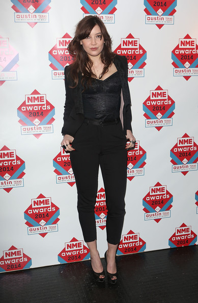 Daisy Lowe Pantsuit [clothing,red,footwear,shoulder,joint,outerwear,leg,waist,shoe,thigh,daisy lowe,nme awards,room,winners room,london,england,brixton academy]