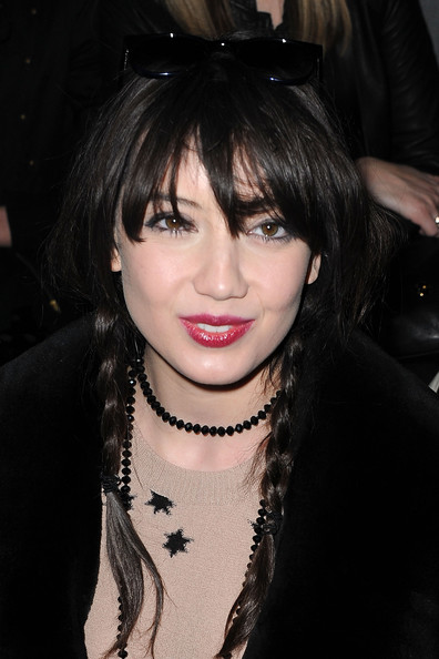 Daisy Lowe Loose Braid [hair,face,hairstyle,lip,bangs,black hair,eyebrow,chin,beauty,cool,sonia rykiel,daisy lowe,front row,sonia rykiel ready to wear autumn,pavillon concorde,paris,france,paris fashion week,show]