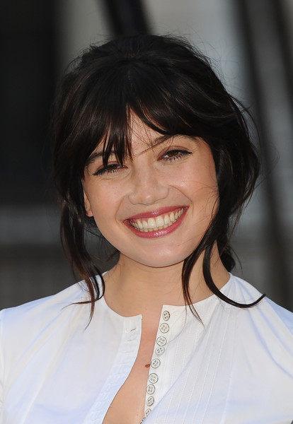 Daisy Lowe Loose Ponytail [royal academy of arts: summer exhibition,hair,hairstyle,face,chin,bangs,eyebrow,black hair,beauty,smile,bob cut,daisy lowe,london,england,royal academy of arts summer exhibition]