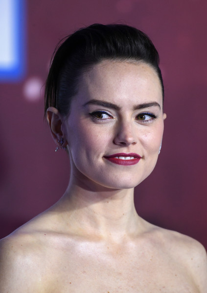 Daisy Ridley Pompadour [hair,face,lip,eyebrow,skin,beauty,chin,hairstyle,forehead,head,star wars: the rise of skywalker,european premiere of ``star wars: the rise of skywalker,european,england,london,cineworld leicester square,daisy ridley]