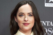 Dakota Johnson Long Wavy Cut
