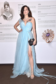 Eleonora Carisi polished off her look with silver Jimmy Choo Lance sandals.