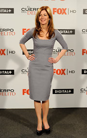 "Dana Delaney looked ladylike at the ""Body of Proof"" photocall in black patent platform pumps."
