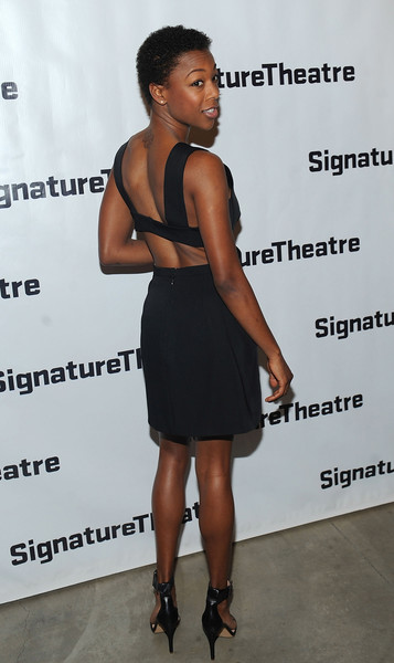 More Pics of Samira Wiley Short Curls (1 of 7) - Samira Wiley Lookbook - StyleBistro [clothing,dress,cocktail dress,little black dress,shoulder,fashion,footwear,joint,muscle,premiere,samira wiley,daphnes dive,new york city,the pershing square signature center,signature theatre company,opening night party]
