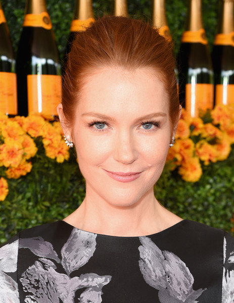 Darby Stanchfield Ponytail [hair,hairstyle,beauty,eyebrow,smile,lip,plant,flower,brown hair,darby stanchfield,los angeles,pacific palisades,california,will rogers state historic park,red carpet,veuve clicquot polo classic]