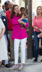 Queen Letizia of Spain went for comfy footwear with a pair of lilac espadrilles by Gaimo.